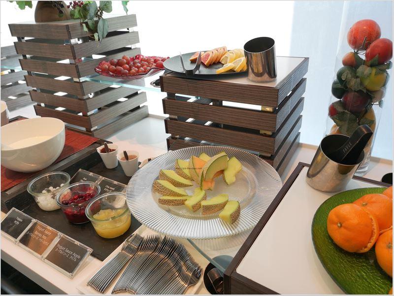 朝食は36階にあるOSAIS GARDEN